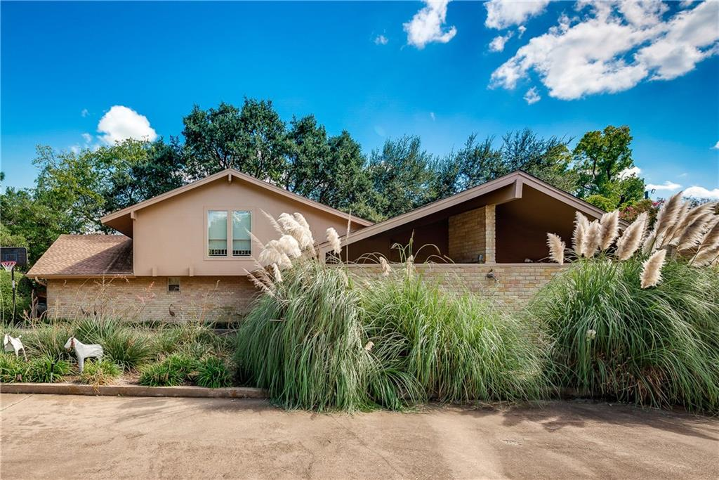 Dallas Neighborhood Home For Sale - $2,310,000