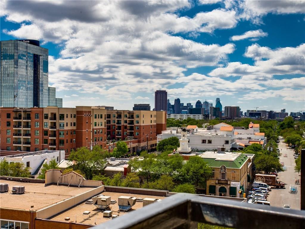 Dallas Neighborhood Home For Sale - $412,500