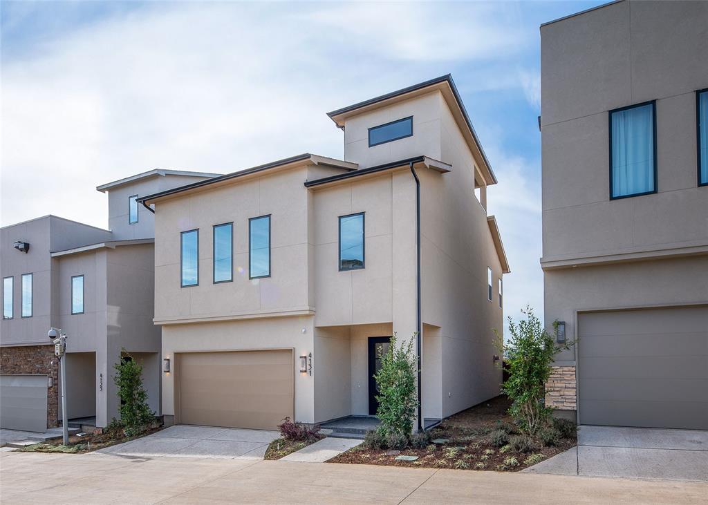 Dallas Neighborhood Home For Sale - $699,900