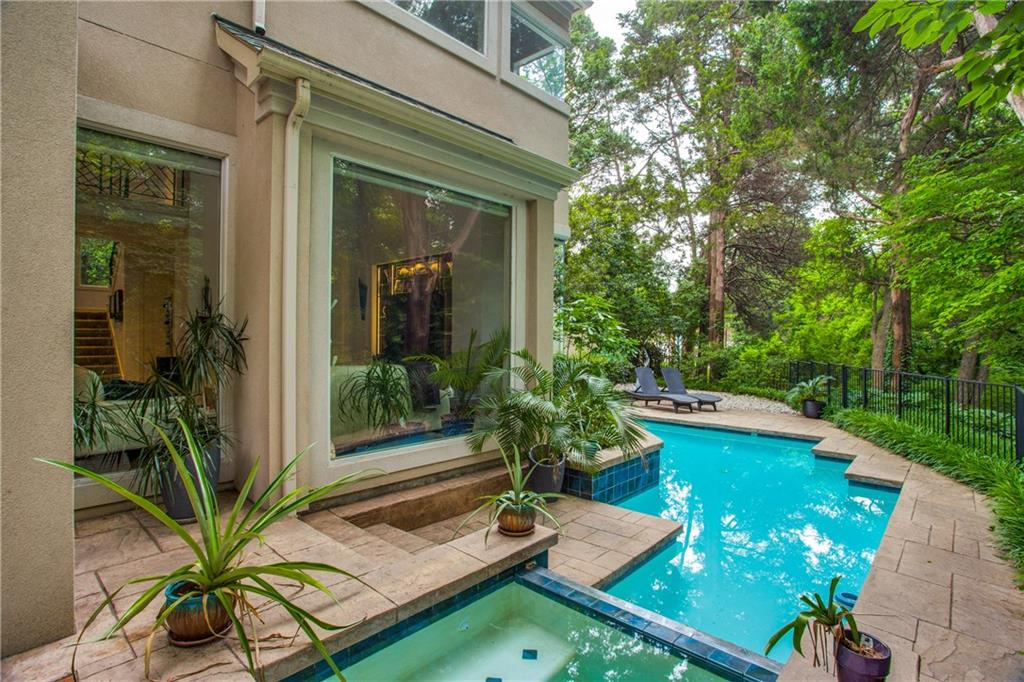 Dallas Neighborhood Home For Sale - $1,230,000