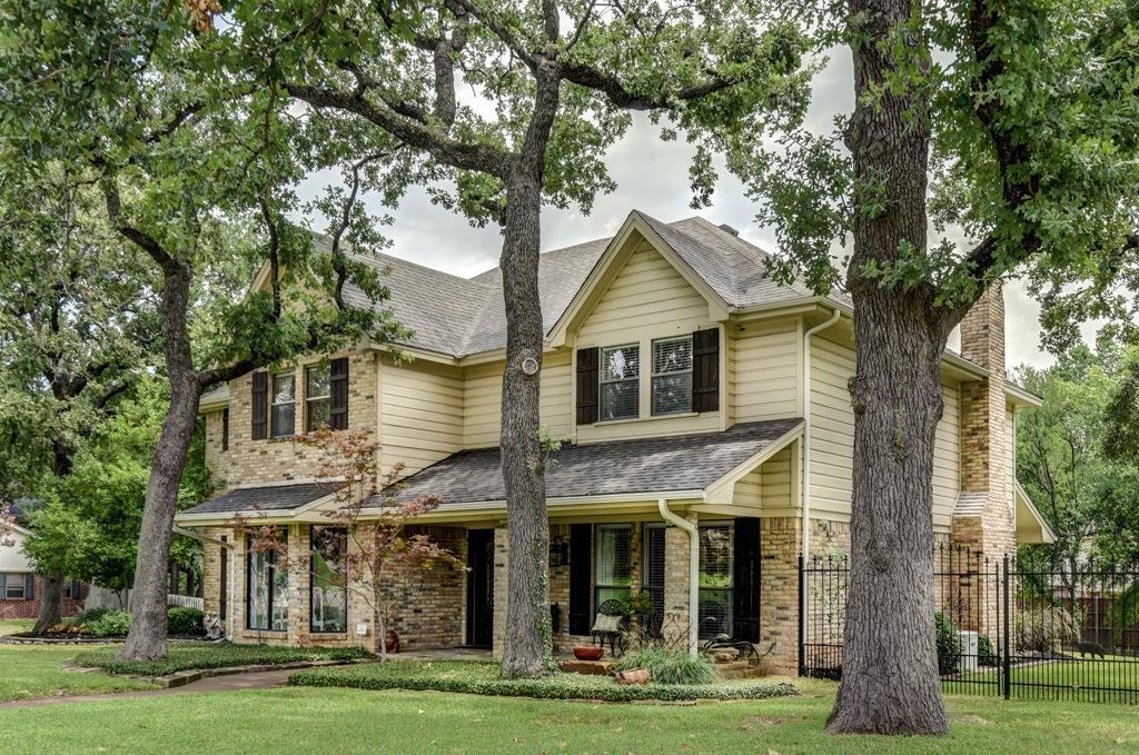 Trophy Club Neighborhood Home For Sale - $465,000