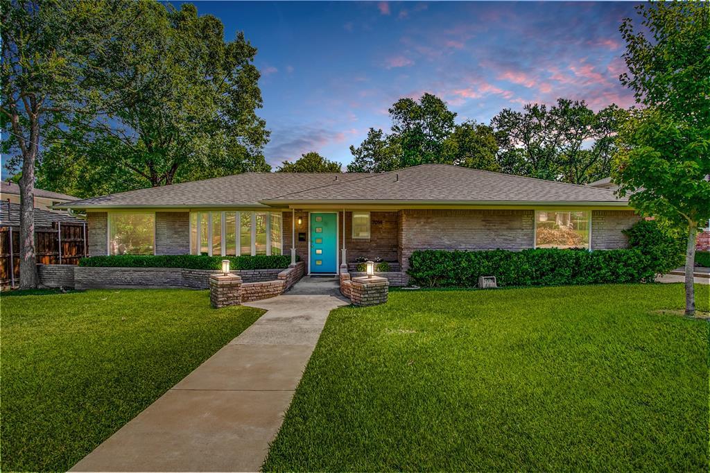 Dallas Neighborhood Home For Sale - $410,000