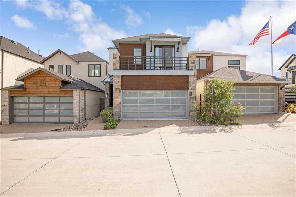 Dallas Neighborhood Home For Sale - $579,999