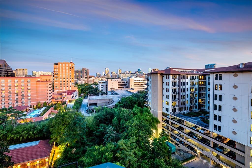 Dallas Neighborhood Home For Sale - $745,000