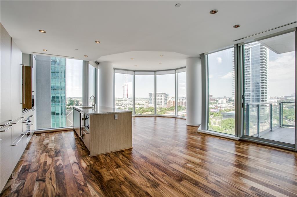 Dallas Neighborhood Home For Sale - $665,000
