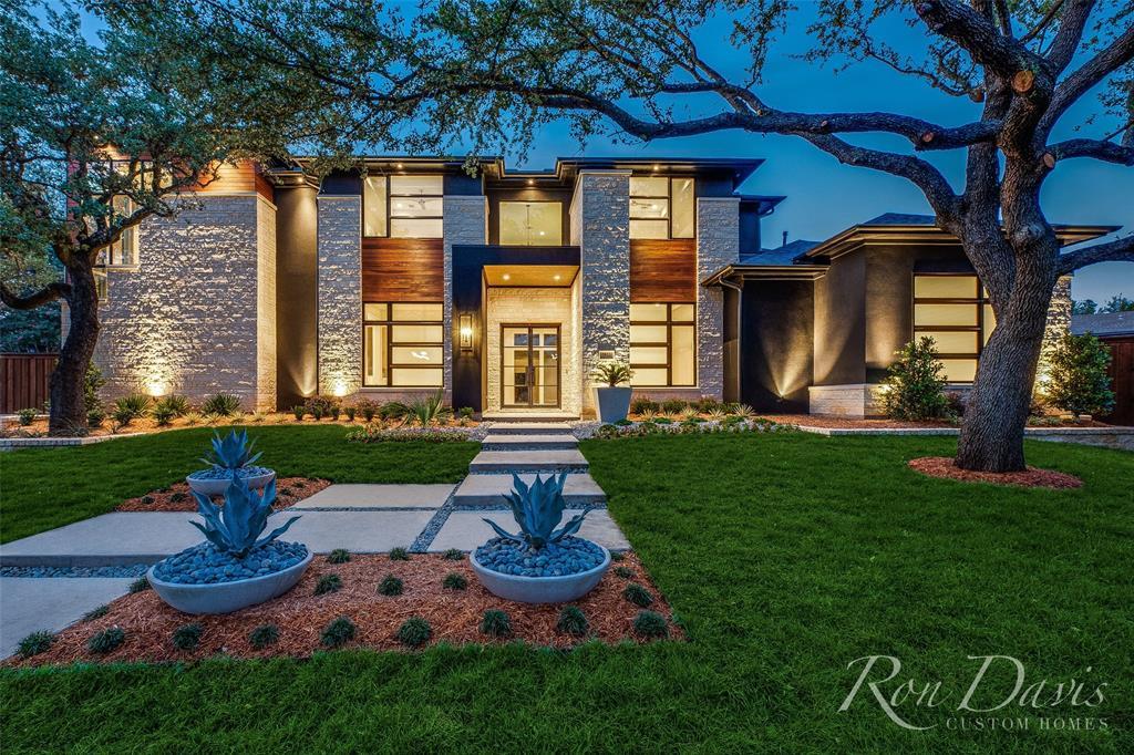 Dallas Neighborhood Home For Sale - $2,675,900