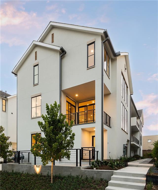 Dallas Neighborhood Home For Sale - $895,000