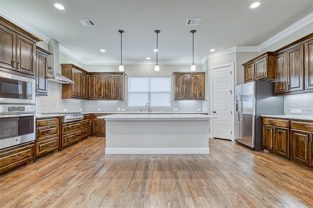 Dallas Neighborhood Home For Sale - $559,900