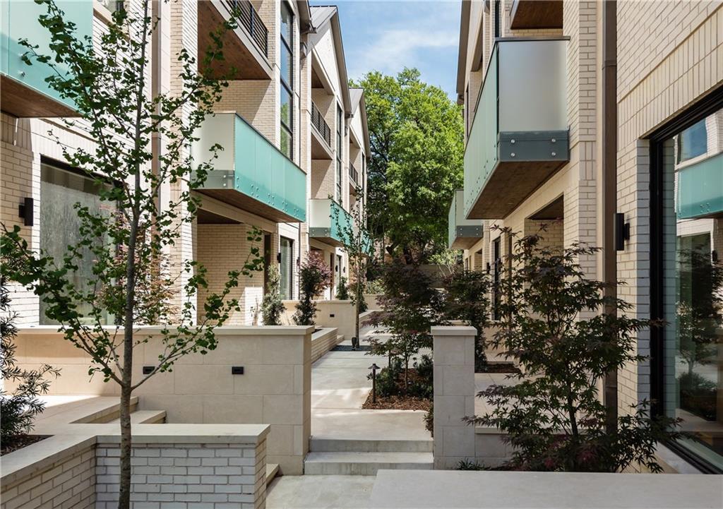 Highland Park Neighborhood Home For Sale - $1,595,000
