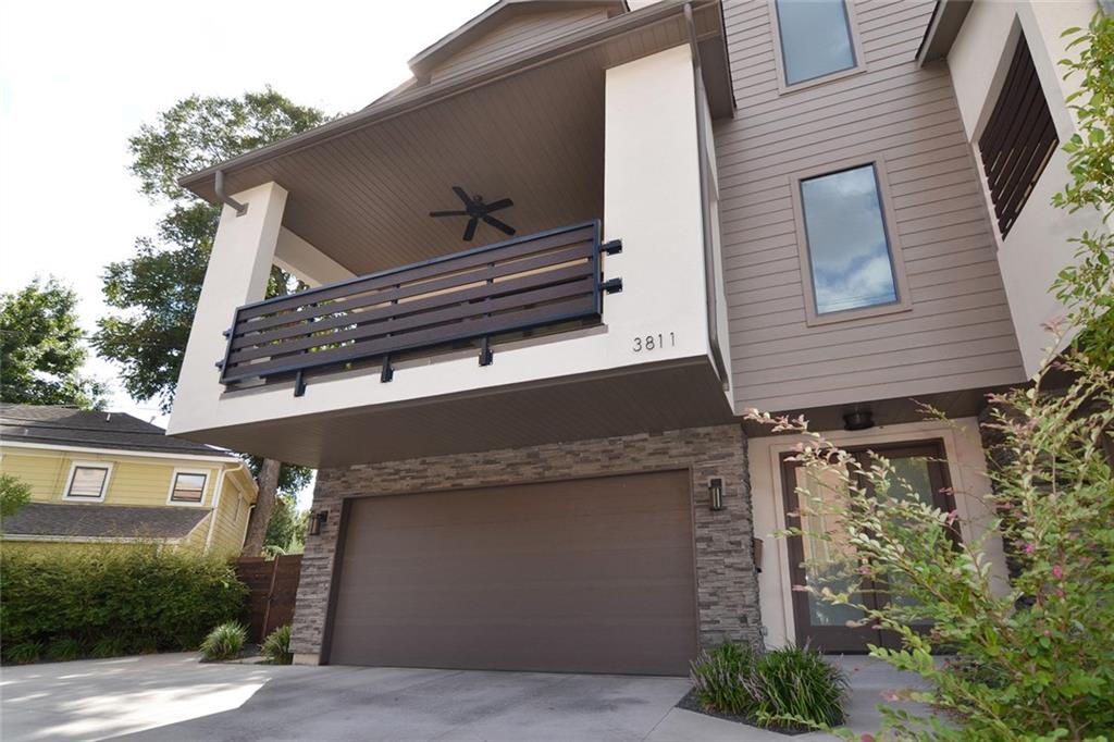 Dallas Neighborhood Home For Sale - $649,999