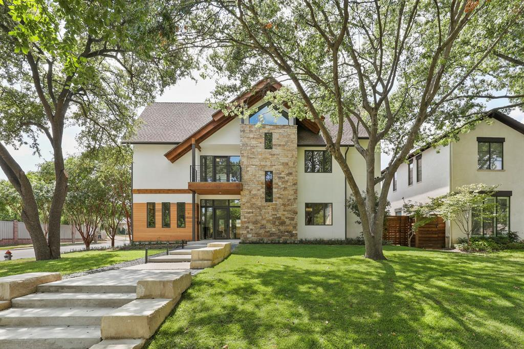 University Park Neighborhood Home For Sale