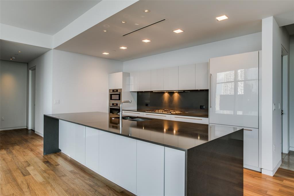 Dallas Neighborhood Home For Sale - $1,500,000