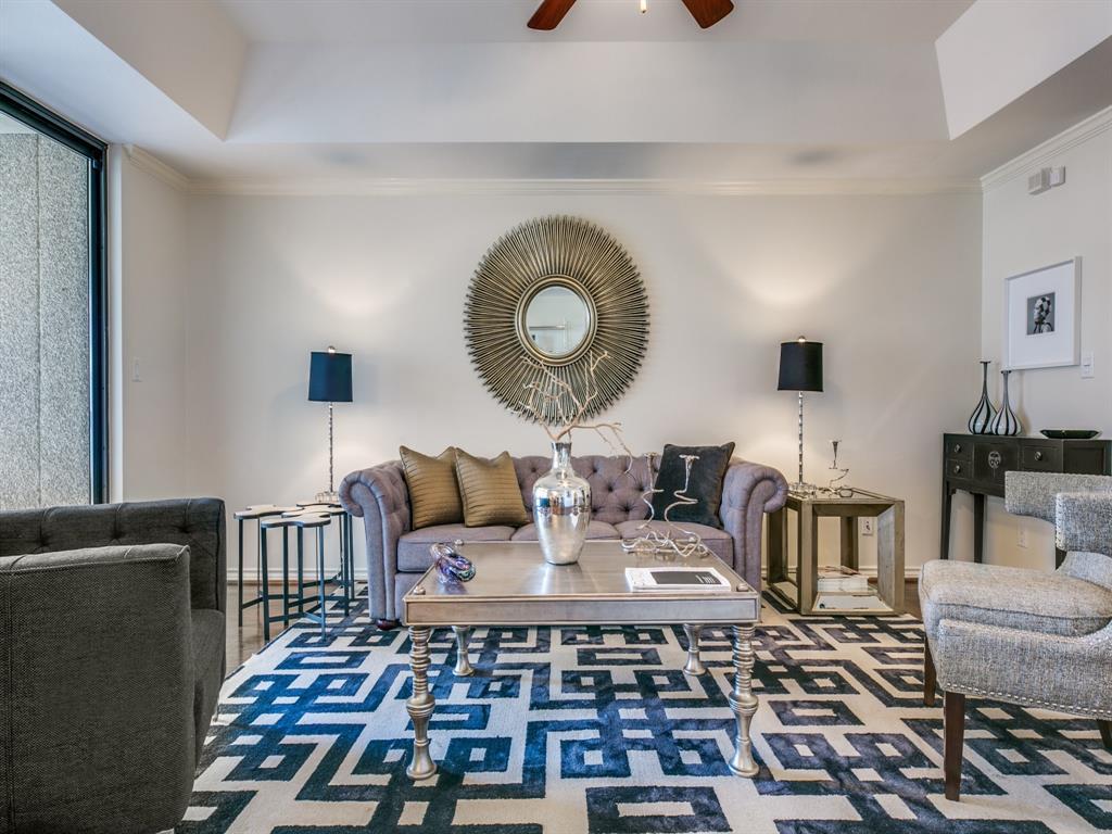 Dallas Neighborhood Home For Sale - $395,000