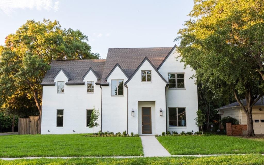 Dallas Neighborhood Home For Sale - $1,050,000