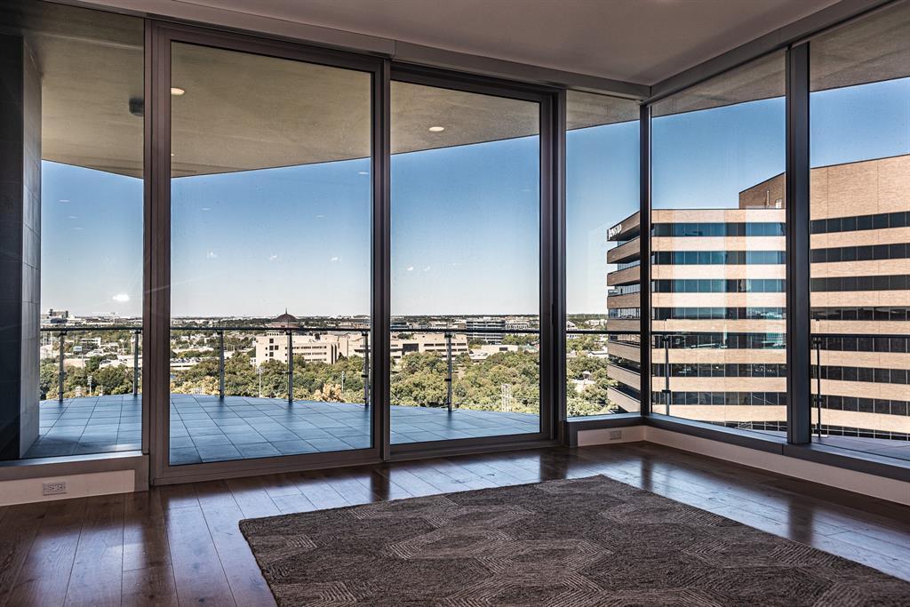 Dallas Neighborhood Home For Sale - $1,550,000