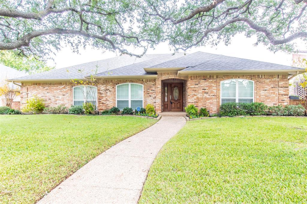 Dallas Neighborhood Home For Sale - $441,500