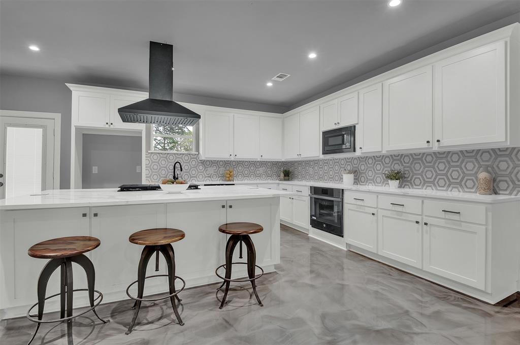 Dallas Neighborhood Home For Sale - $675,000