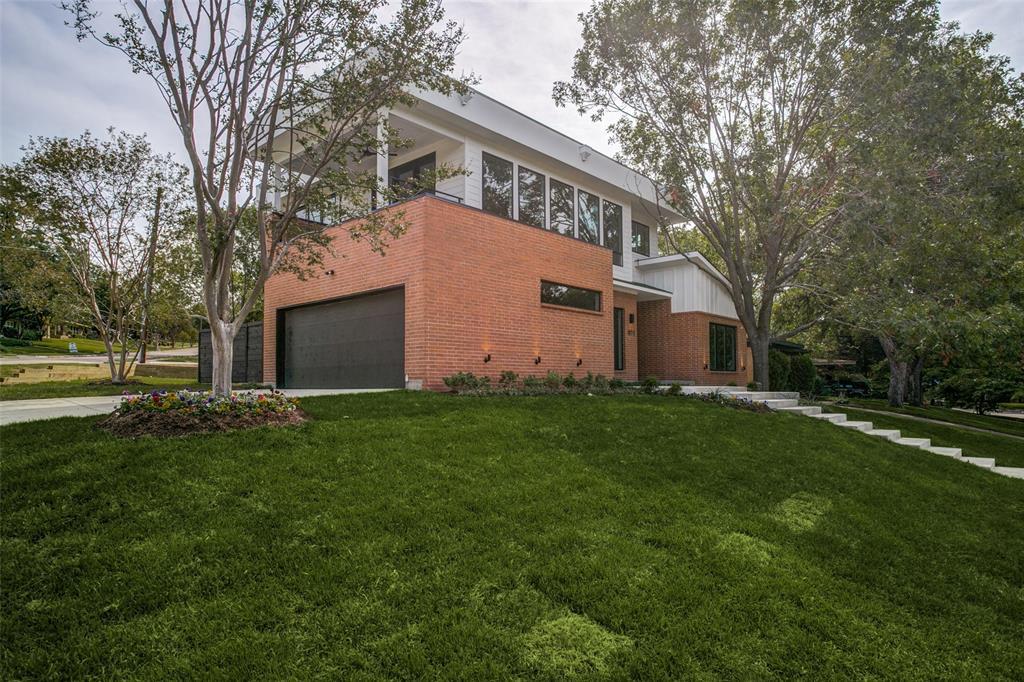 Dallas Neighborhood Home For Sale - $1,095,000