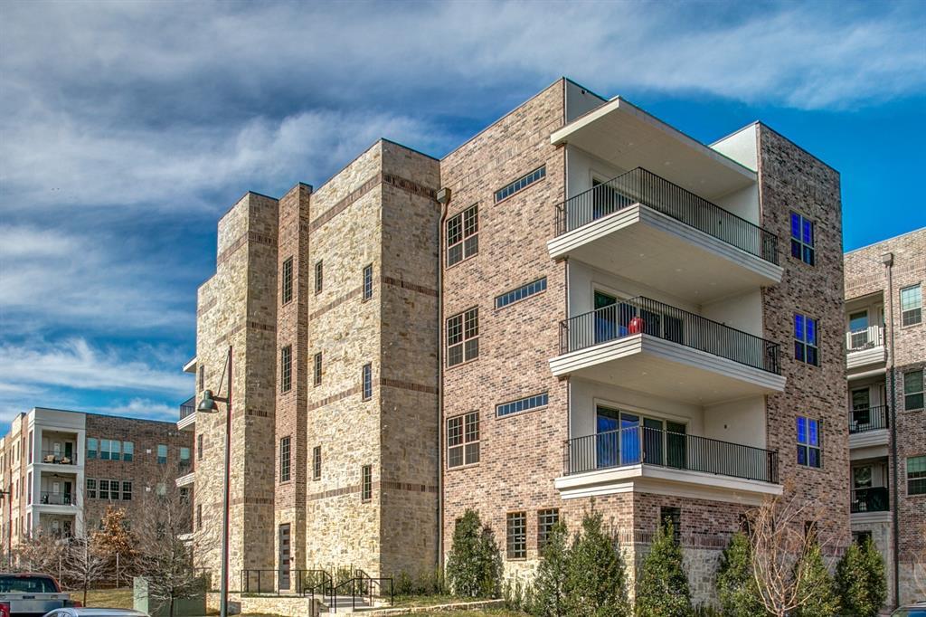 Addison Neighborhood Home For Sale - $549,900