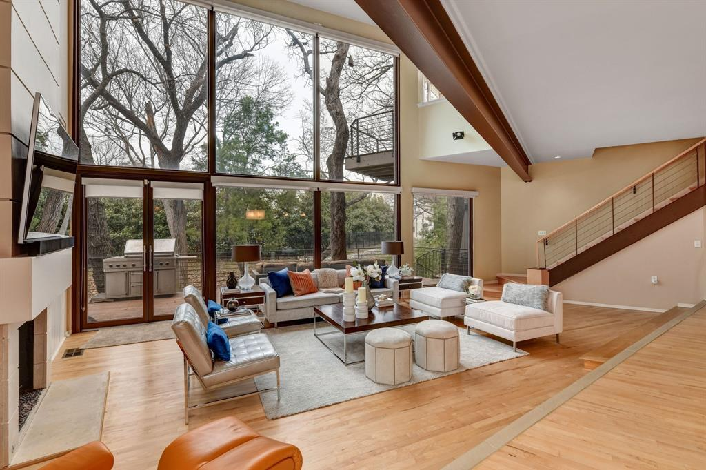 Dallas Neighborhood Home For Sale - $1,200,000