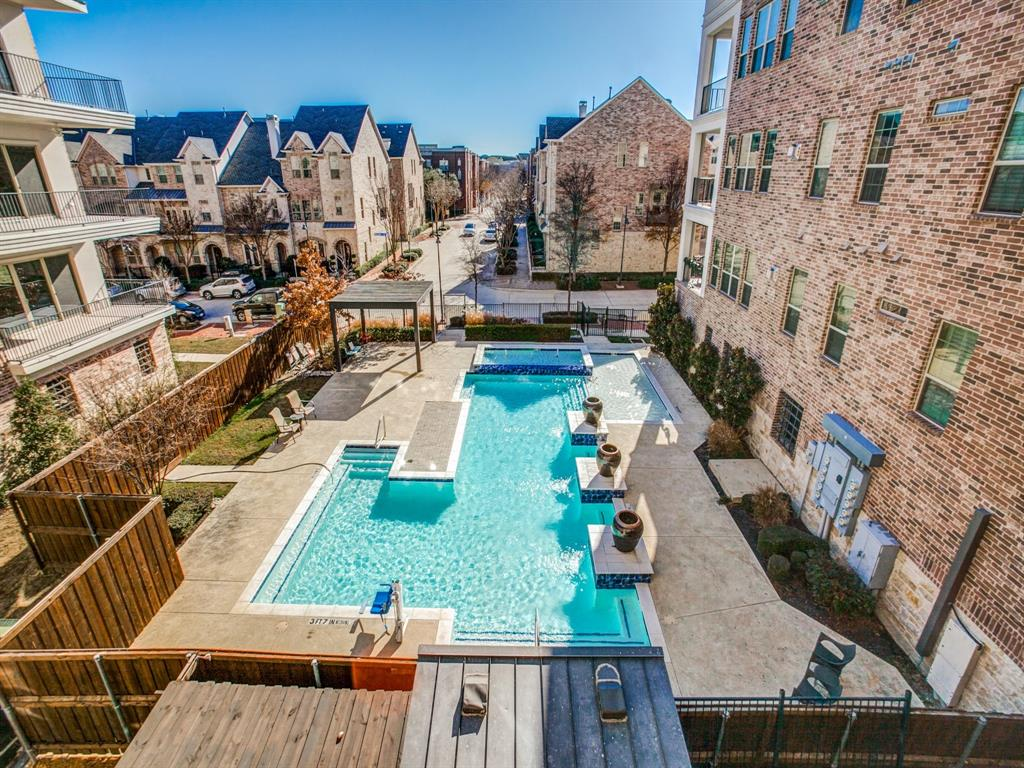Addison Neighborhood Home For Sale - $484,900