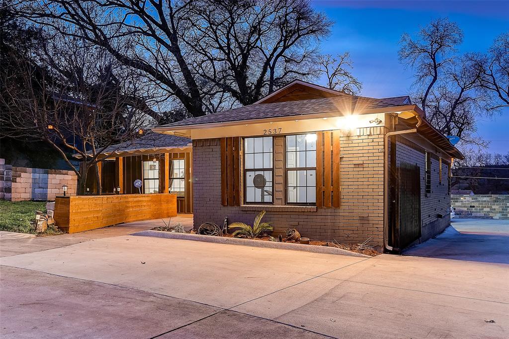 Dallas Neighborhood Home For Sale - $356,990