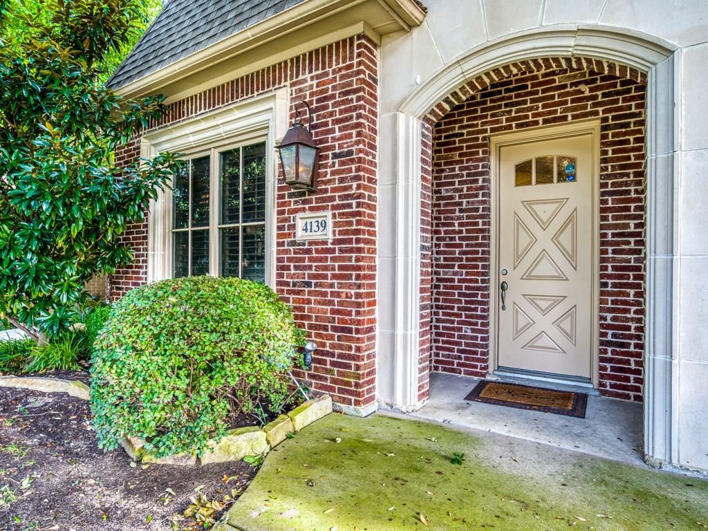 Dallas Neighborhood Home For Sale - $719,000