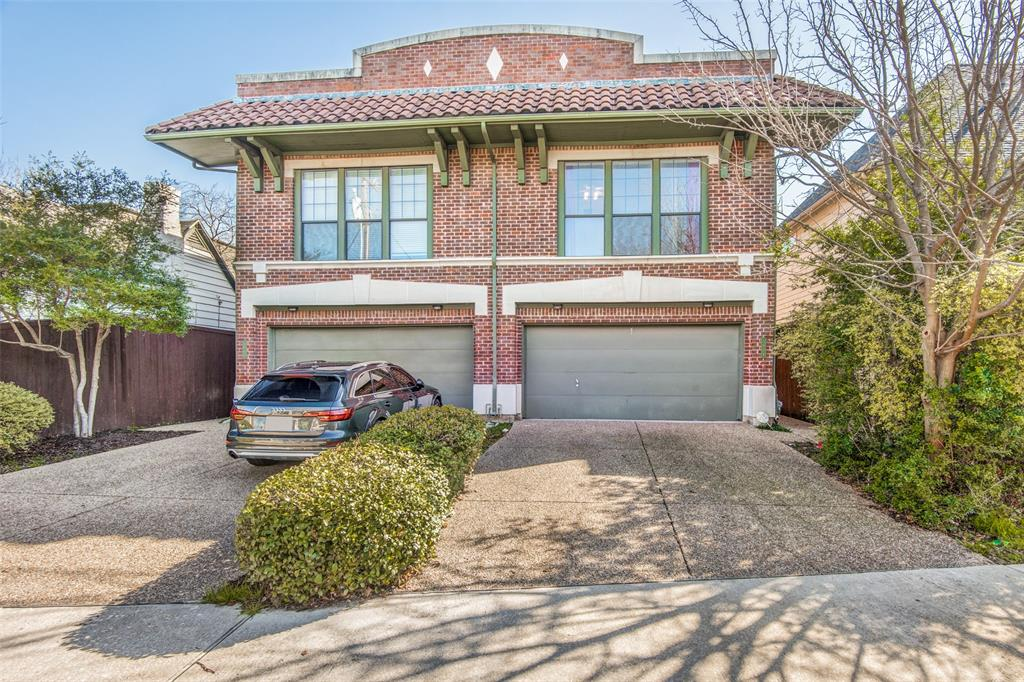 Dallas Neighborhood Home For Sale - $435,000