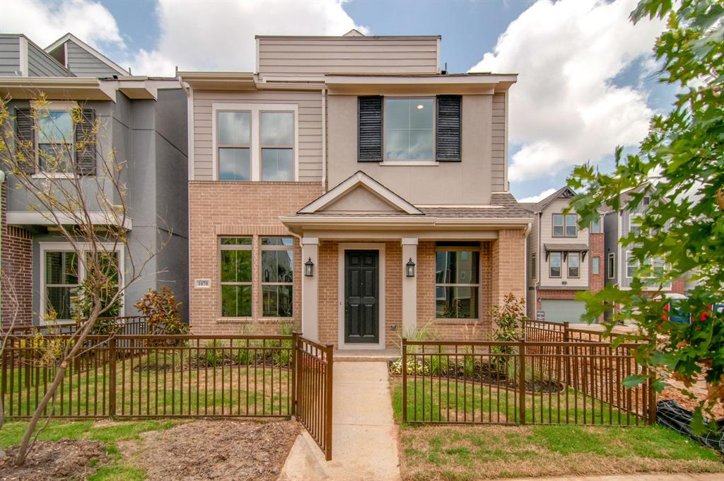 Dallas Neighborhood Home For Sale - $458,990