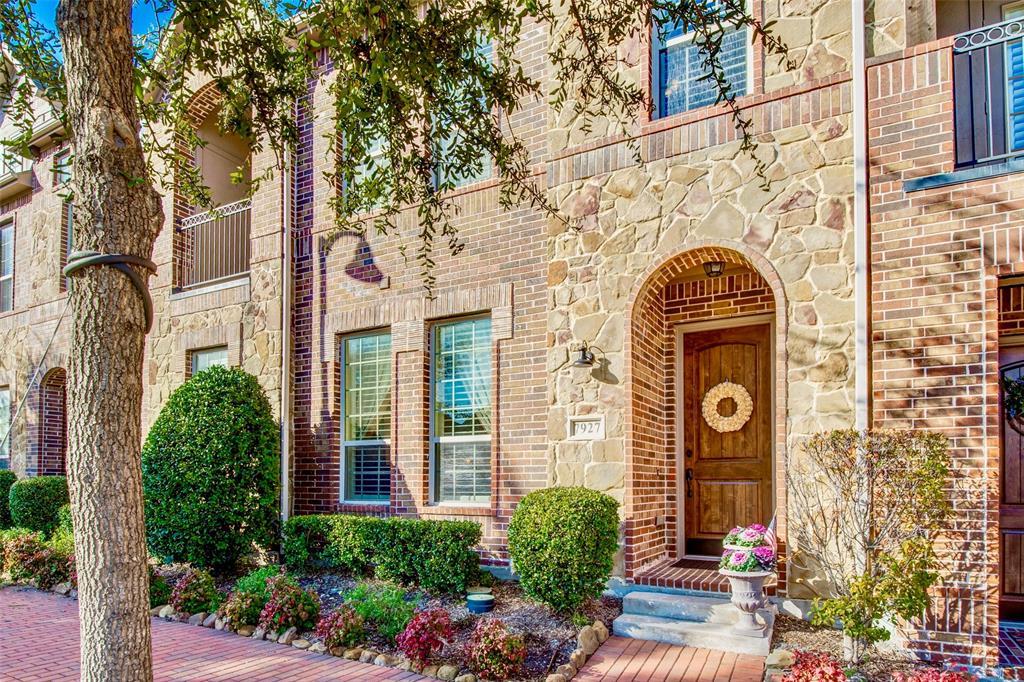 Plano Neighborhood Home For Sale - $372,500
