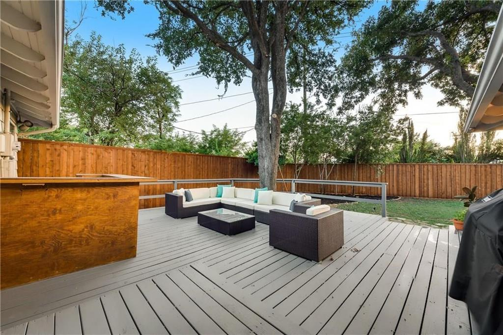 Dallas Neighborhood Home For Sale - $489,900