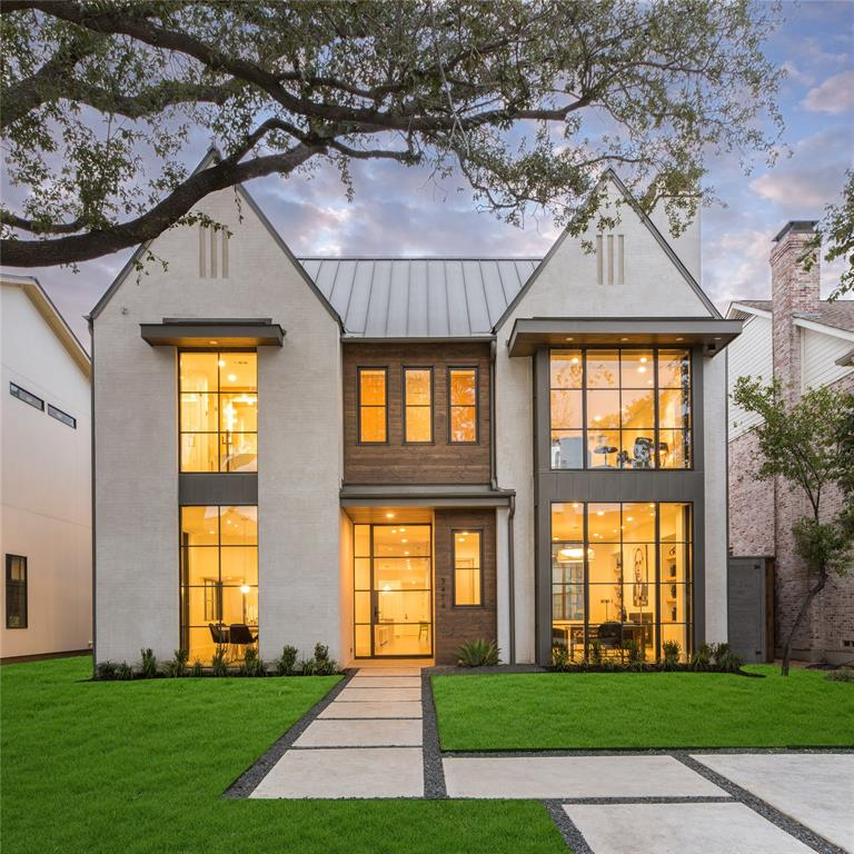 Highland Park Neighborhood Home For Sale - $3,275,000