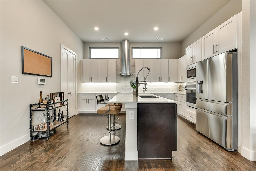 Dallas Neighborhood Home For Sale - $409,000