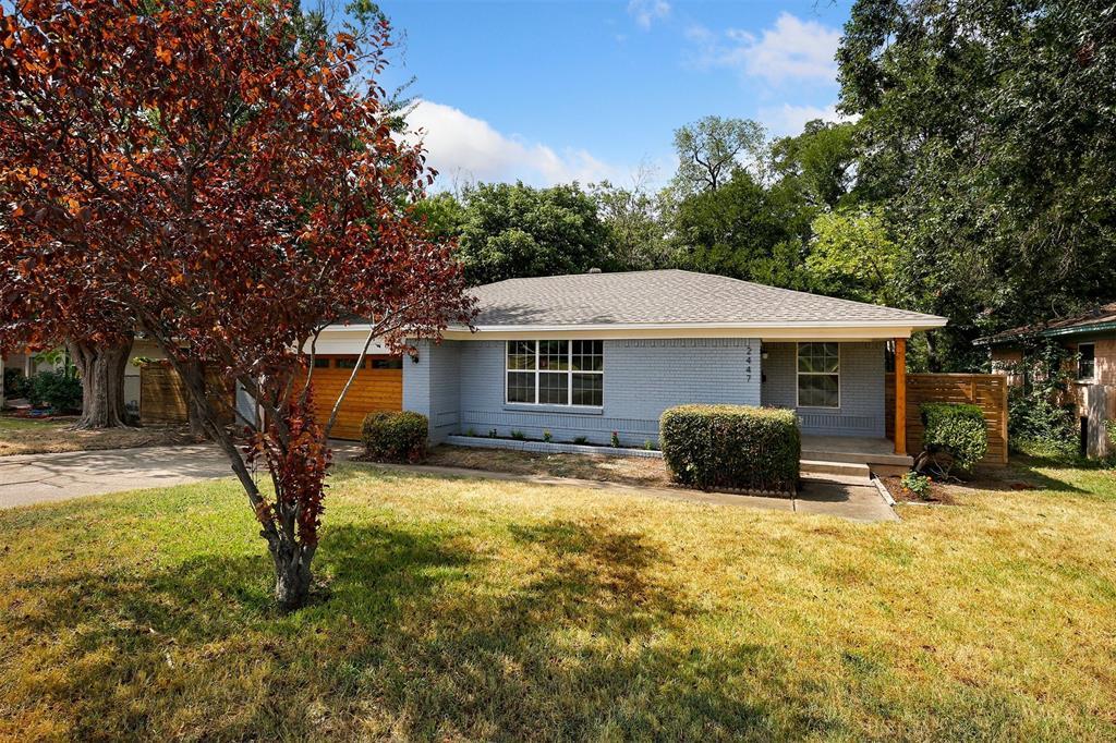 Dallas Neighborhood Home For Sale - $299,900