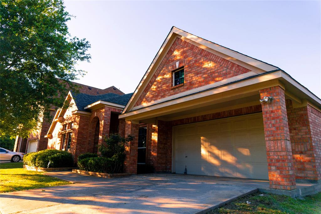 Cedar Hill Neighborhood Home For Sale - $299,990
