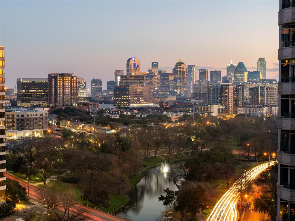 Dallas Neighborhood Home For Sale - $475,000