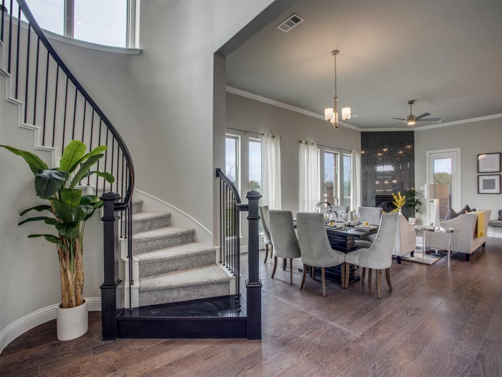 Dallas Neighborhood Home For Sale - $449,000