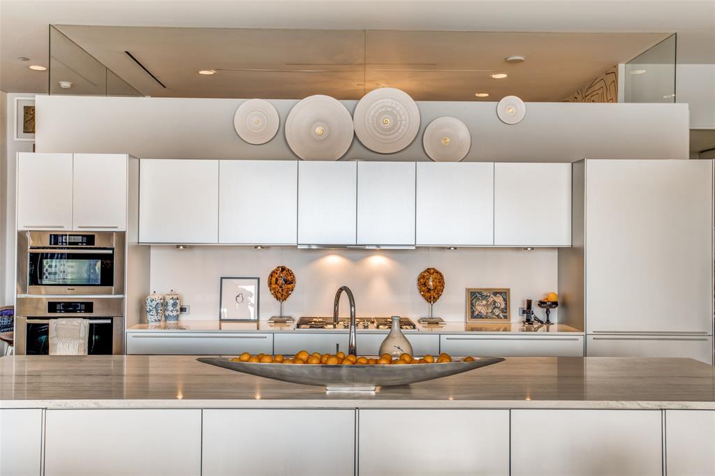Dallas Neighborhood Home For Sale - $850,000