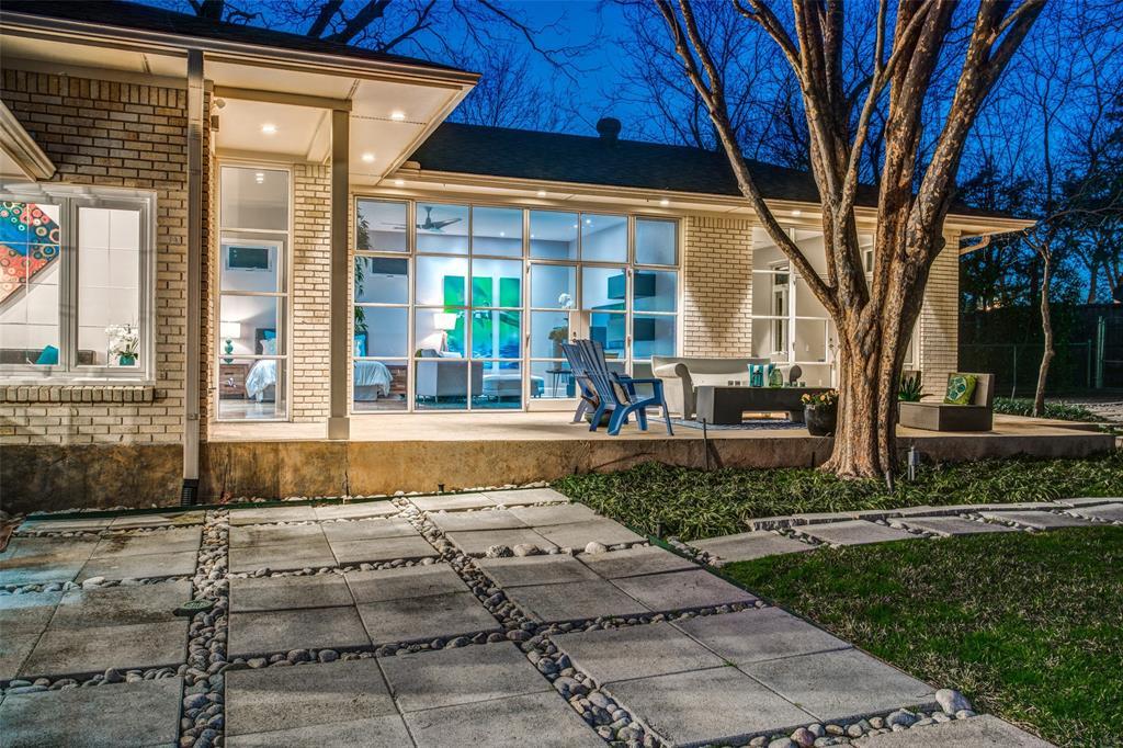 Dallas Neighborhood Home For Sale - $869,000