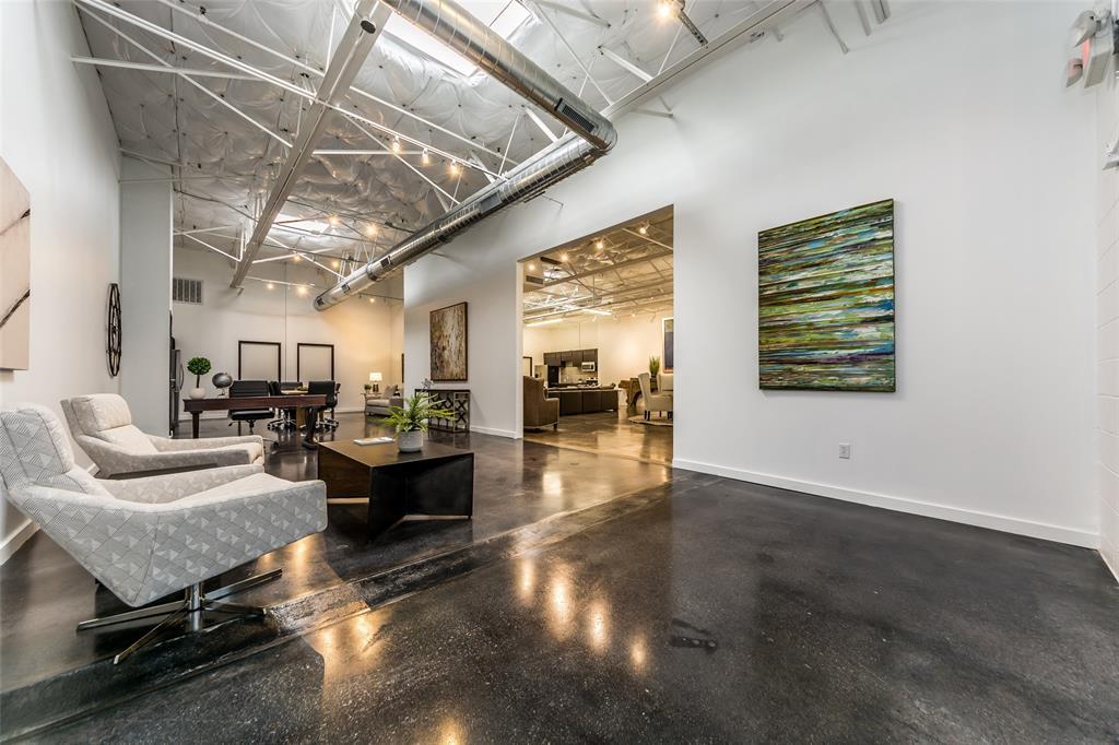 Dallas Neighborhood Home For Sale - $689,500