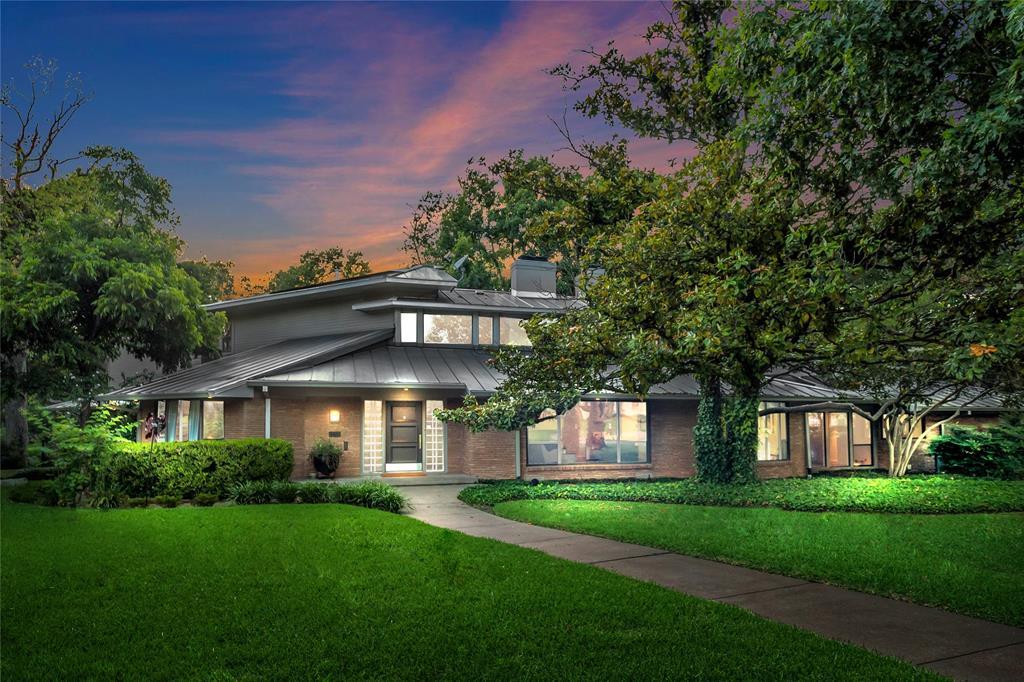 Dallas Neighborhood Home For Sale - $1,625,000