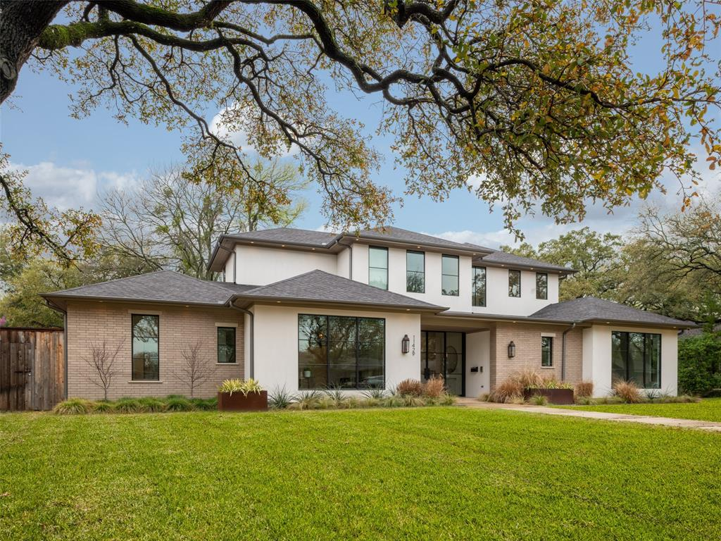 Dallas Neighborhood Home For Sale - $2,425,000