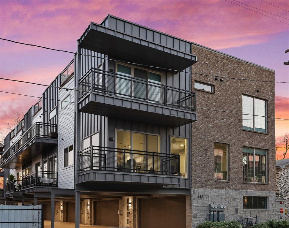 Dallas Neighborhood Home For Sale - $579,000