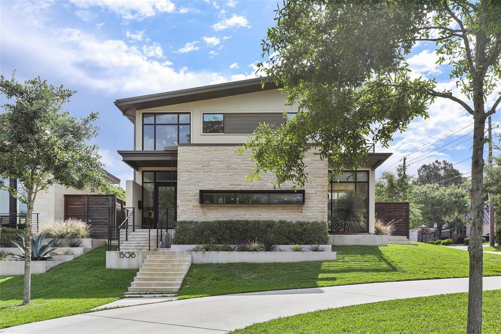 Dallas Neighborhood Home For Sale - $1,259,000