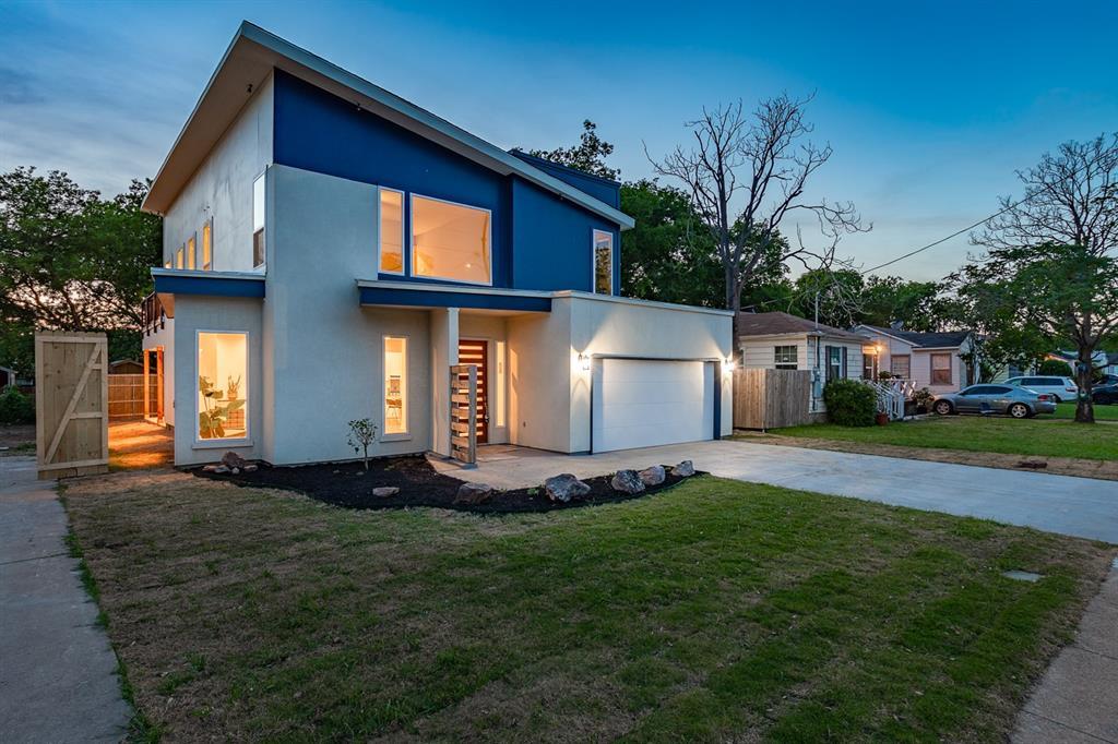 Dallas Neighborhood Home For Sale - $679,900