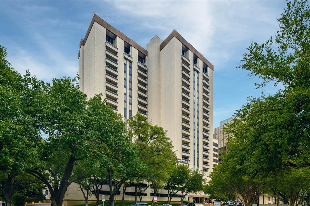 Dallas Neighborhood Home For Sale - $980,000