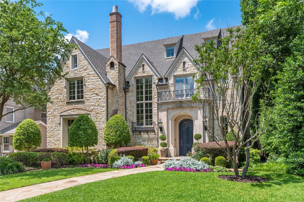 Dallas Neighborhood Home For Sale