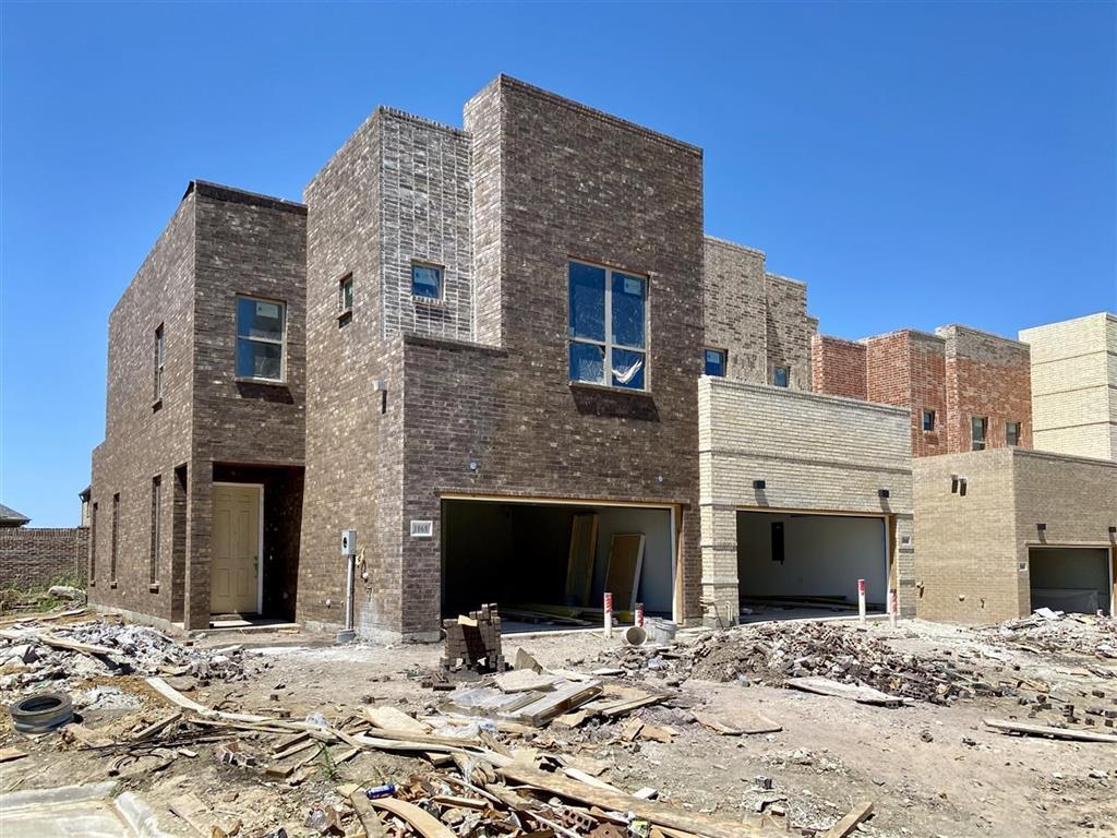 Allen Neighborhood Home For Sale - $370,000