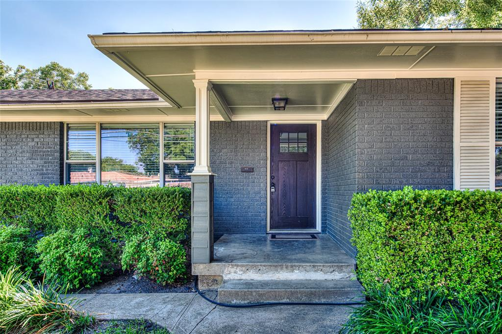 Dallas Neighborhood Home For Sale - $394,000