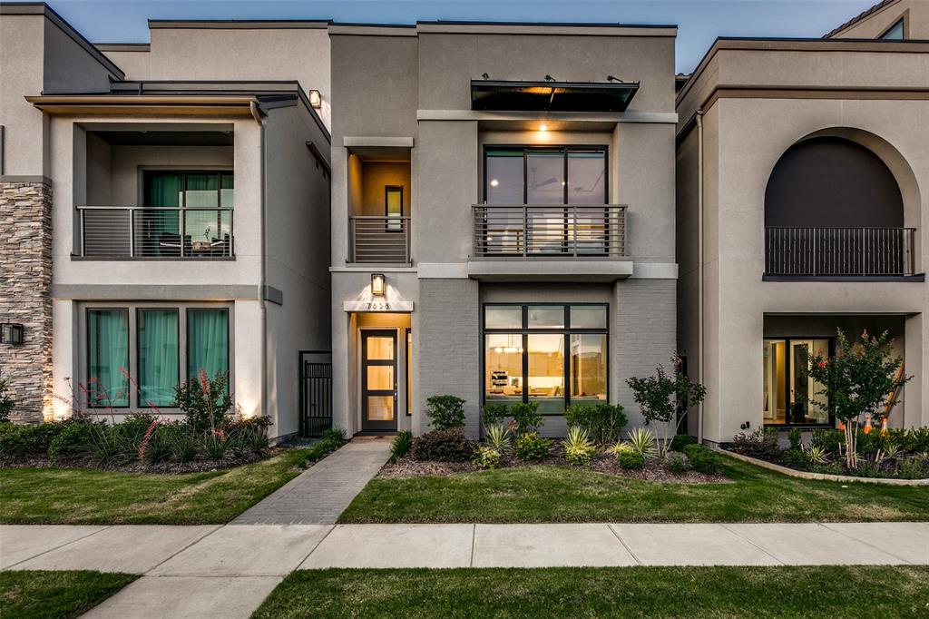 Plano Neighborhood Home For Sale - $899,900